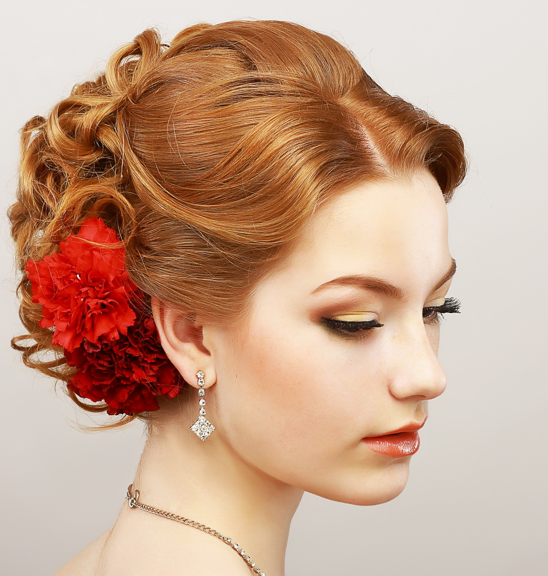 16 Easy Prom Hairstyles For Short And